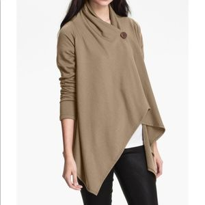 Bobeau cream/tan wrap/sweater